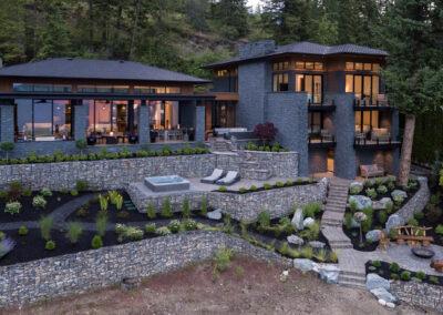 Kelowna custom home build - Lowe Residence