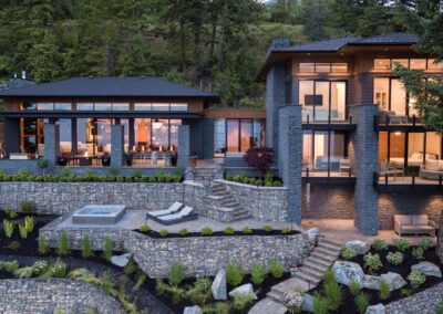Luxury home builder, Apchin Design + Build, built this breathtaking luxury home on the shores of Shuswap Lake in the BC interior region.